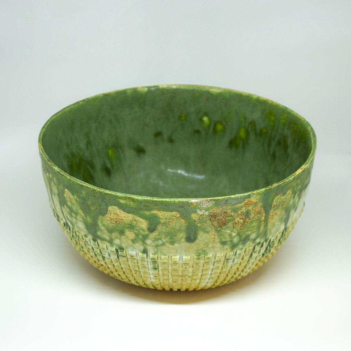 Dast large bowl green and transparent | Dast grote kom en transparant - een stip