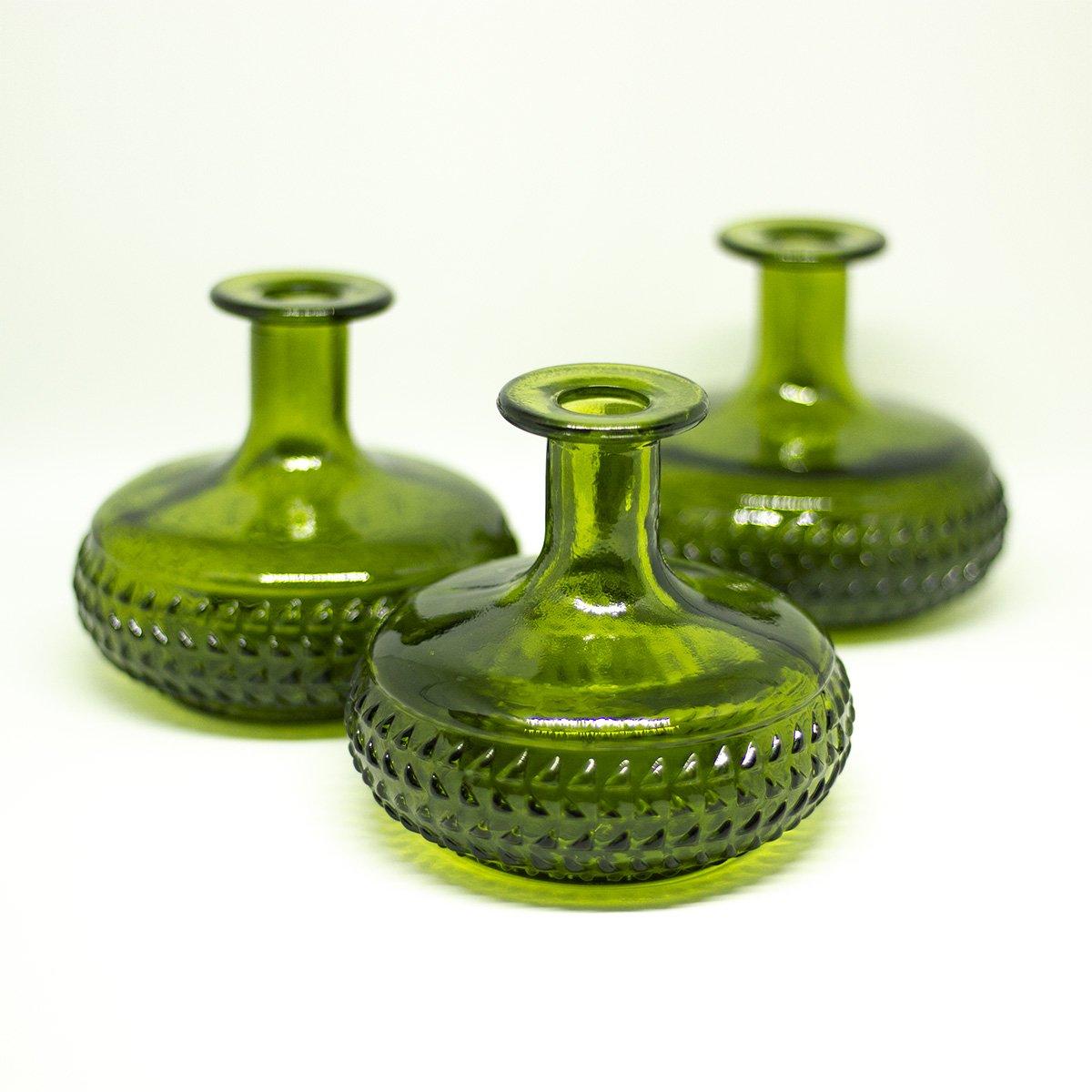 yesterday small green vase - een stip